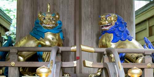 image of shishi-komainu pair