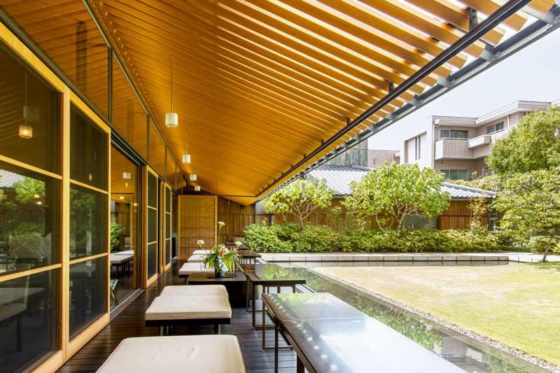 Toraya Karyo Ichijo Courtyard Side Seating2